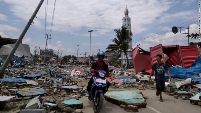 Massive damage to infrastructure in Sulawesi following the 7.5-magnitude earthquake