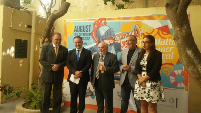 Marsascala mayor Mario Calleja, Culture minister Owen Bonnici, Malta Arts Council chairman Albert Marshall, Carnival organisation committe artistic director Jason Busuttil and St. Paul's Bay mayor Graziella Galea