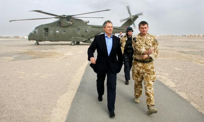 Tony Blair arrives in Iraq
