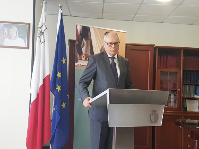The threshold for VAT exemption has been raised to €20,000, Finance Minister Edward Scicluna said today
