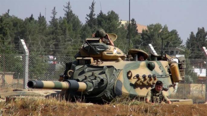 Turkey has sent 80 military vehicles towards the border with Syria, state news agency Anadolu says (Photo: AlJazeera)