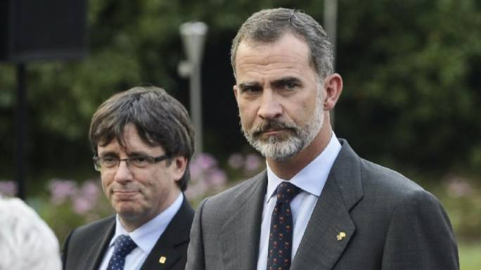 President of Catalonia Carles Puigdemont (left) and Felipe VI, the king of Spain (Photo: STV)
