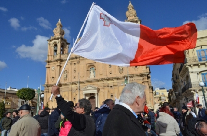 Norman Lowell's movement and the new 'Patrijotti' party could perhaps qualify as 'anti-establishment', but no one gives them a chance to garner enough support to become significant players in the Maltese political arena