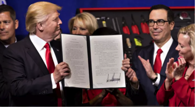 "US President Donald Trump signed the ""Buy American, Hire American"" executive order in Wisconsin"
