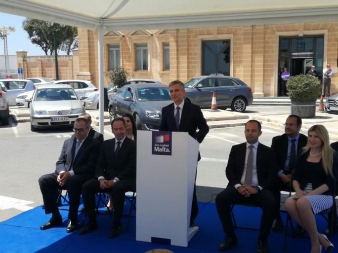 PN leader Simon Busuttil (centre) outside the Central Bank