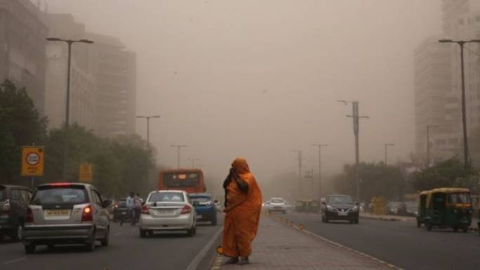 98 dead as dust storm brings down houses in India