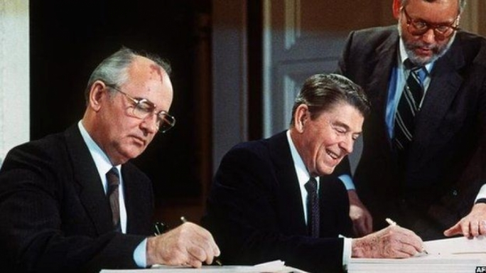 Soviet Leader Mikhail Gorbachev and US President Ronald Reagan sign the INF treaty in 1987