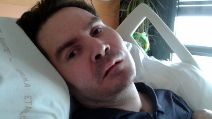 Doctors begin halting life support for Frenchman in vegetative state