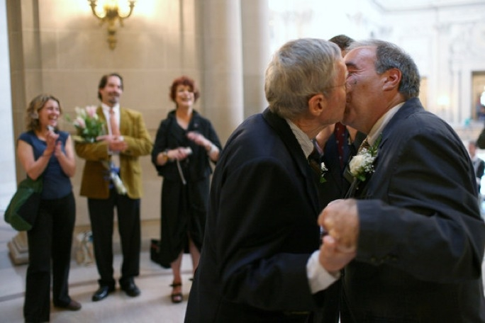 Homosexual couples should have the same rights for marriage as do heterosexual couples says AD