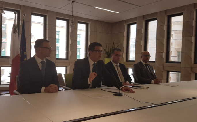 PN leader Adrian Delia has reiterated calls for the resignation of Foreign Minister Carmelo Abela while also demanding Jonathan Ferris be granted protection