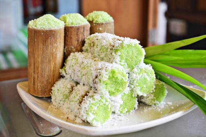 Putu Bamboo is a coconut rice cake, made from rice flour and palm sugar steamed in bamboo tubes