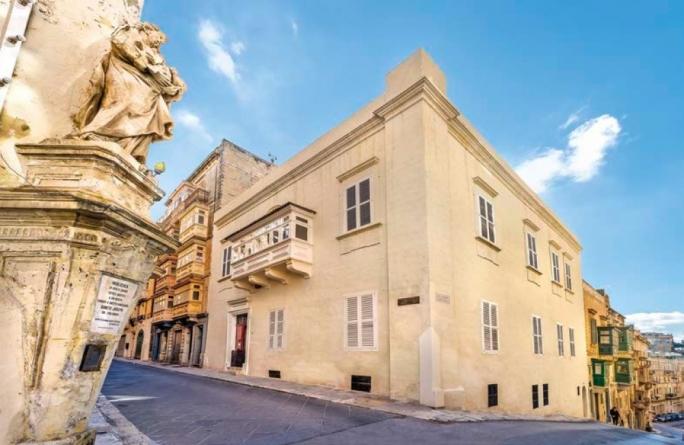 The house of prolific corsair Captain Guglielmo Lorenzi, West Street angle with Old Theatre Street, Valletta