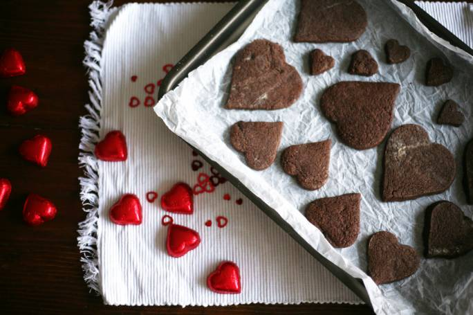 Heart-shaped chocolate shortbread