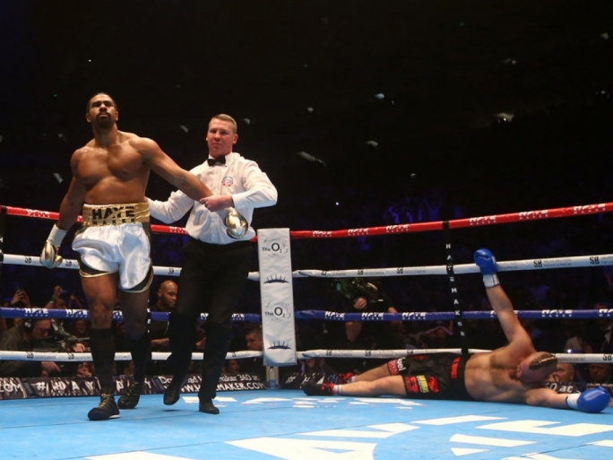 David Haye leaves Mark De Mori sprawled on the canvas