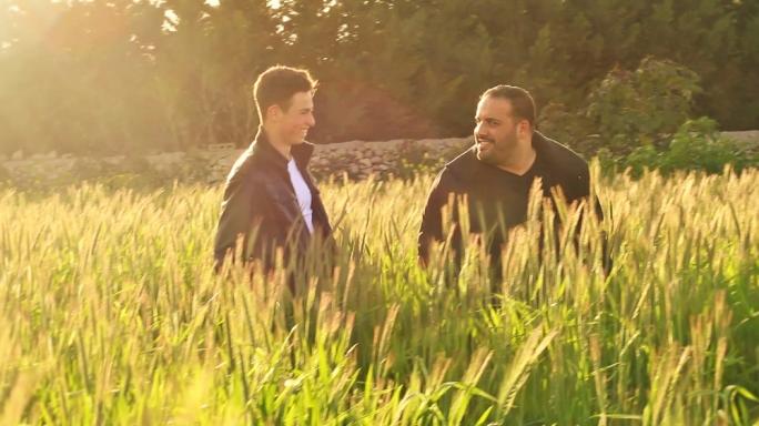 Nichail Portelli and Clive Piscopo in Fejn Jehodna r-Rih