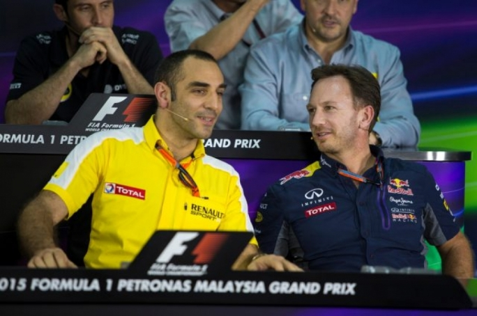 Cyril Abiteboul, Renault F1 Managing Director and Christian Horner (GBR) Red Bull Racing Team Principal at Formula One World Championship, Rd2, Malaysian Grand Prix, Practice, Sepang, Malaysia