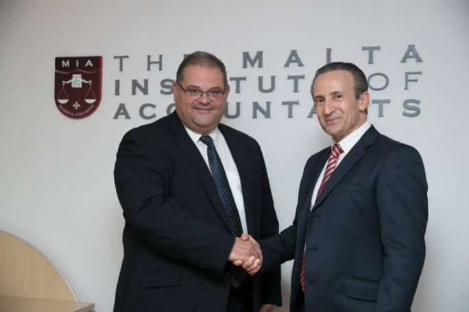 Incoming President William Spiteri Bailey (left) and outgoing President Franco Azzopardi (right)
