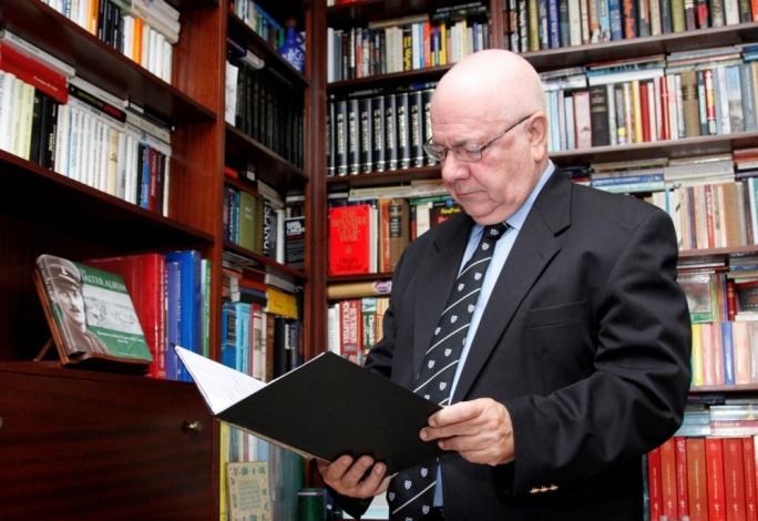 Historian Georgio Peresso