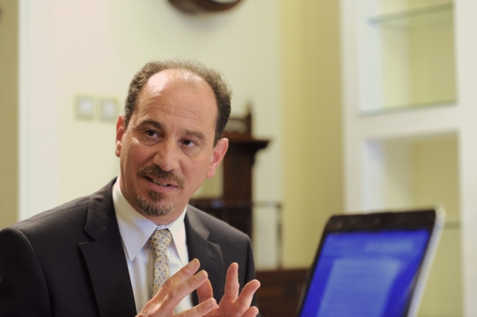 Partit Demokratiku MP Godfrey Farrugia has said he is not interested in running for leader of the party