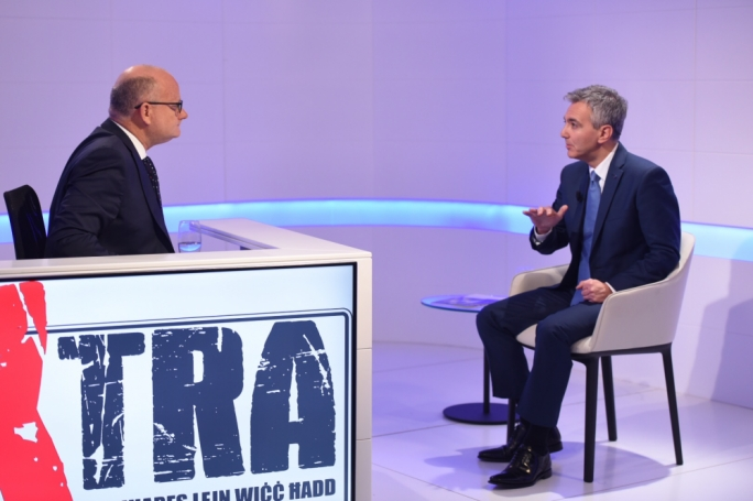 Simon Busuttil facing Saviour Balzan on party politics, corruption, the PN's retail policy and other issues