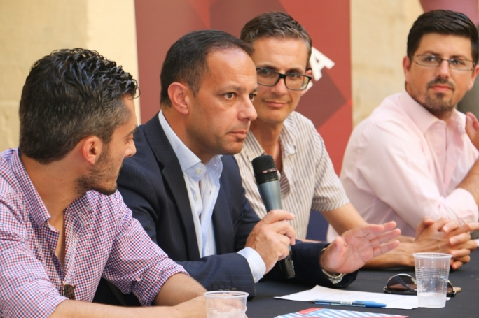 V18 foundation chair Jason Micallef addresses the Valletta forum meeting
