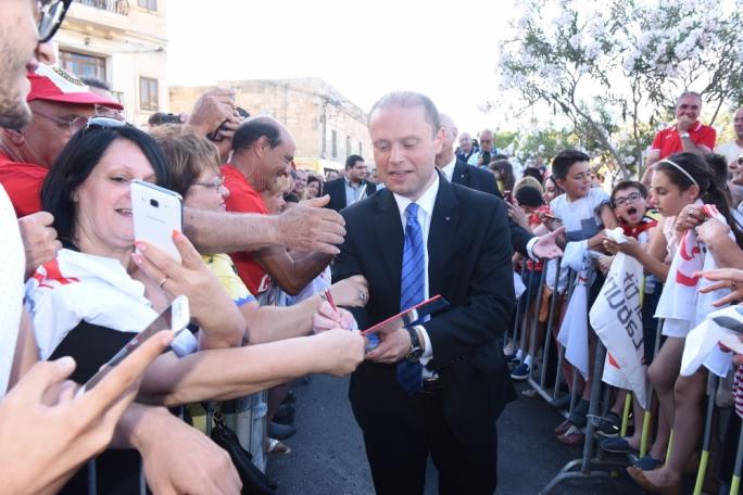 Crowds gather to greet Joseph Muscat (Photo: Chris Mangion/MediaToday)