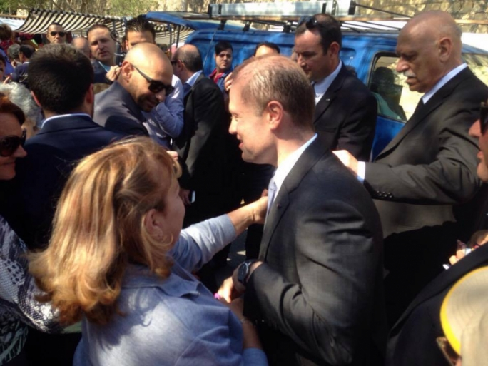 Labour Party supporters greet leader Joseph Muscat at Birgu market (Photo: Yannick Pace/MediaToday)