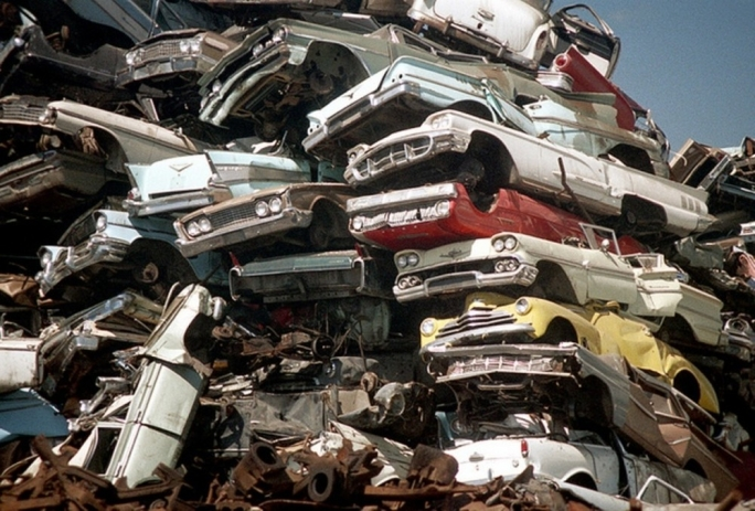 Discarded cars grew by 10,937 tonnes in 2015 (File photo)