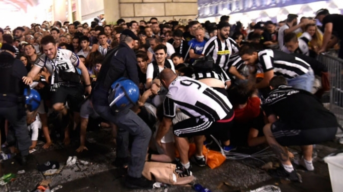 Over 1500 Juventus Fans Injured In Turin Crowd Stampede