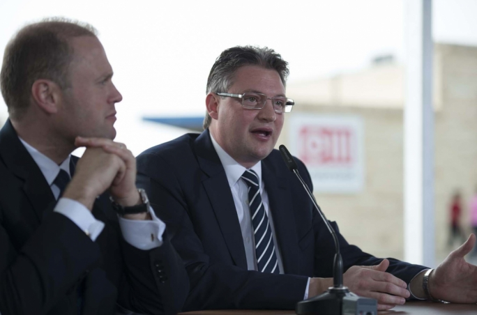 OPM minister Konrad Mizzi addressing a press conference on the decommissioning of the storage tanks