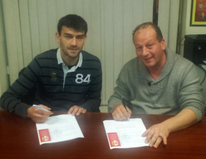 Miroslav Kopric (left) signing his Birkirkara contract last year