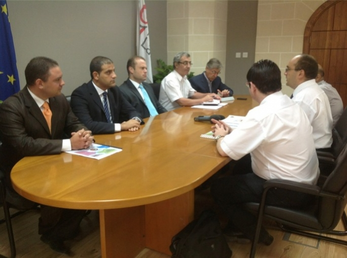 Opposition leader Joseph Muscat meets representatives from the Malta Union of Teachers.
