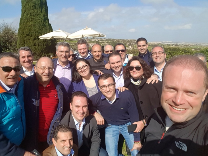 Joseph Muscat tweeted this 'selfie' of Labour's parliamentary group at Girgenti... landing him in hot water with Alternattiva Demokratika