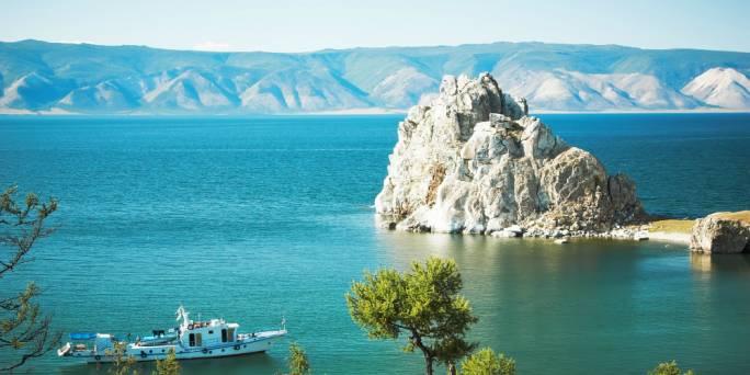 Lake Baikal in its prime (Photo: Lakepedia)