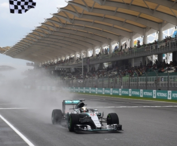 Lewis Hamilton will start the 2015 Malaysian Grand Prix from Pole Position