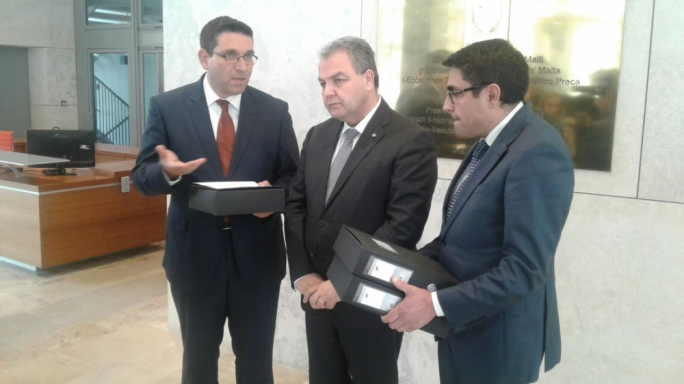 Labour MP Luciano Busuttil and Opposition MP Antoine Borg presented speaker Anglu Farrugia a petition signed by 27,019 citizens calling for a change to the draconian law which saw a woman jailed for five years