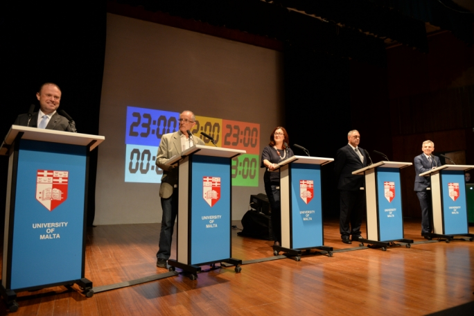 'If most of the students at the debate thought that any leader won in any way, they're wrong.'