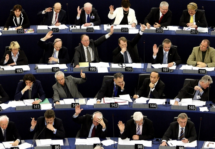Major parties in European Parliament in dead heat ...