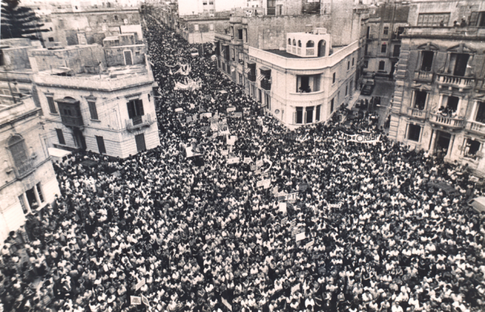 A protest against the Mintoff/KMB regime's imposition of free access to church schools, on Sliema's Dingli Street in 1984