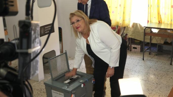 President Marie Louise Coleiro Preca casts her vote