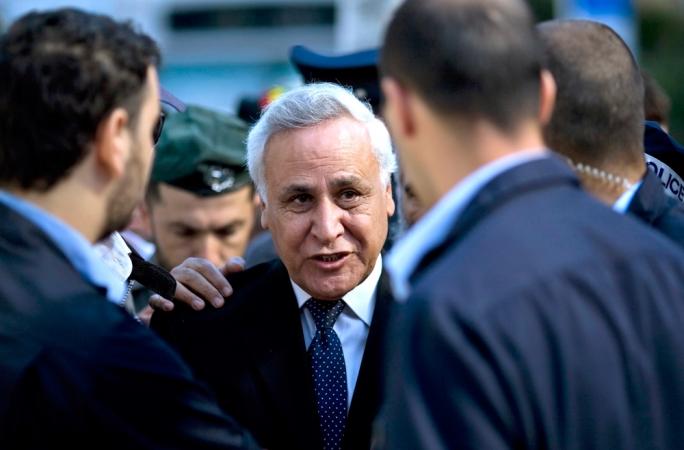 Former Israel president Moshe Katsav (centre)