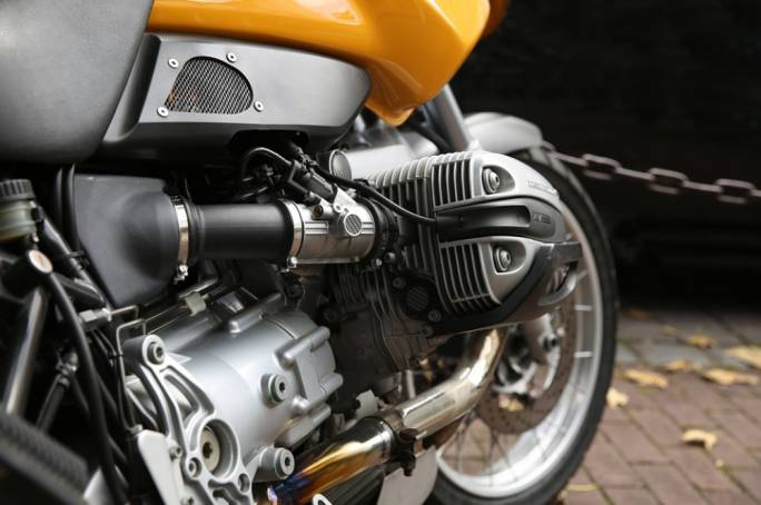 886 new motorcycle licences were issued
