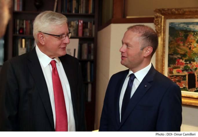 Starr companies vice-president Bertil Lundqvist (left) and Prime Minister Joseph Muscat (right)