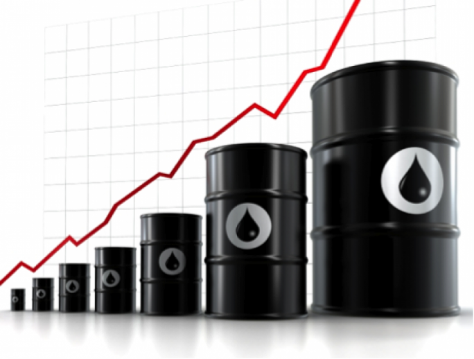 US oil producers sent a record seven million barrels of crude out into the world market last week