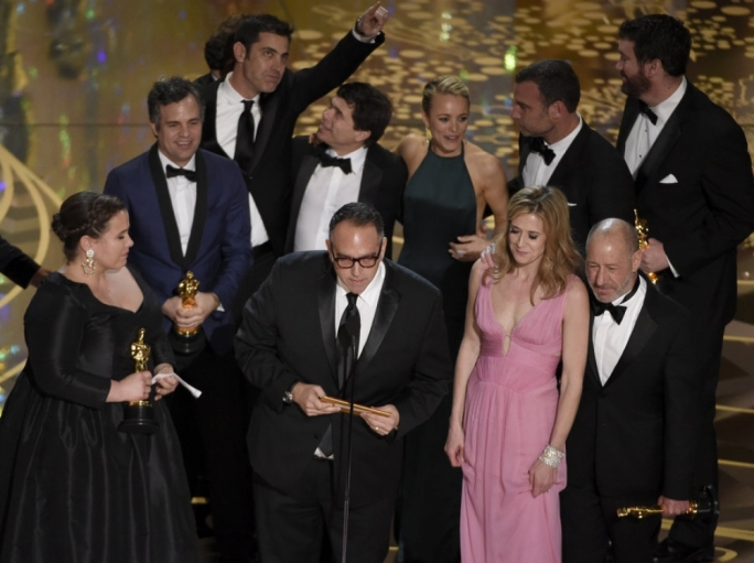 The cast and crew of Spotlight accept their award for Best Picture