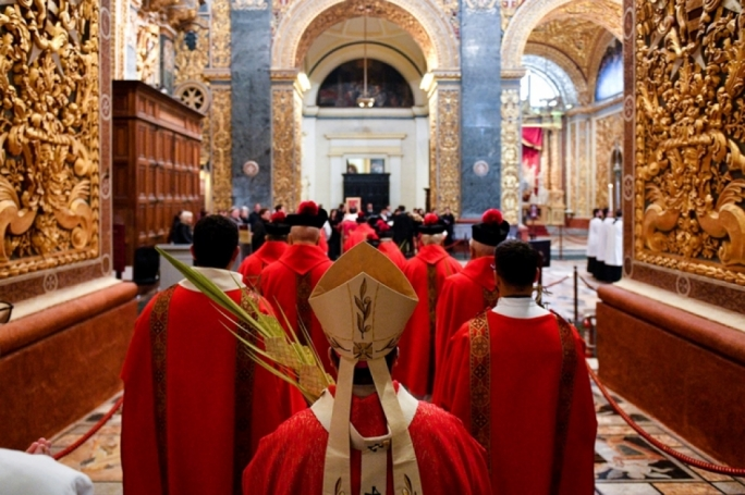 Catholic faithful marks start of Holy Week