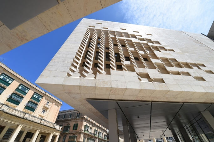 Parliament s cladding specifications changed after for Renzo piano malta