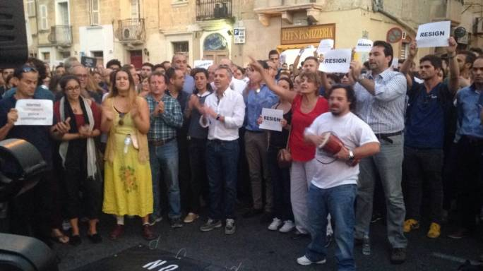Former Opposition leader Simon Busuttil has also joined the crowd