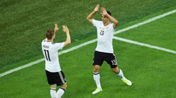 Lars Stindl celebrating his goal with Timo Werner
