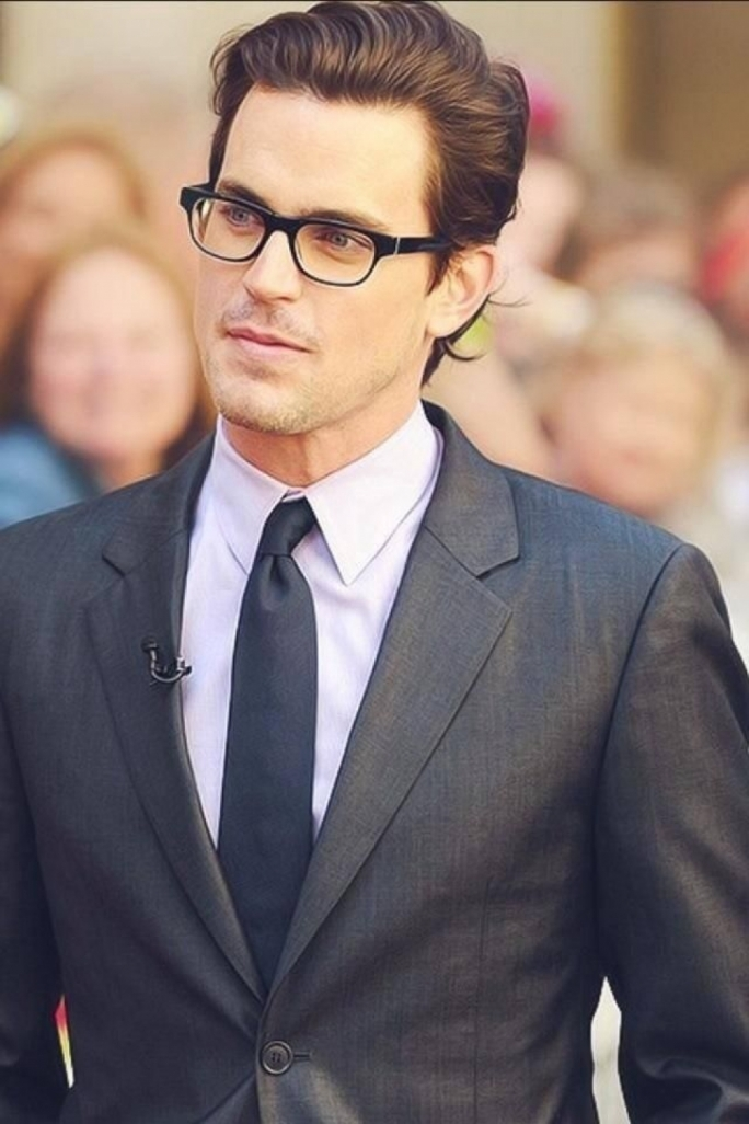 Actor Matthew Bomer at a red carpet event